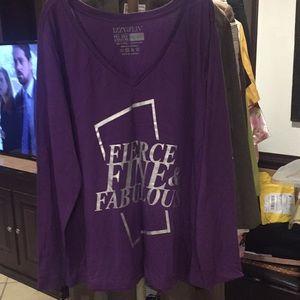Izzy &Liv Size 2/3XL T-shirt good condition